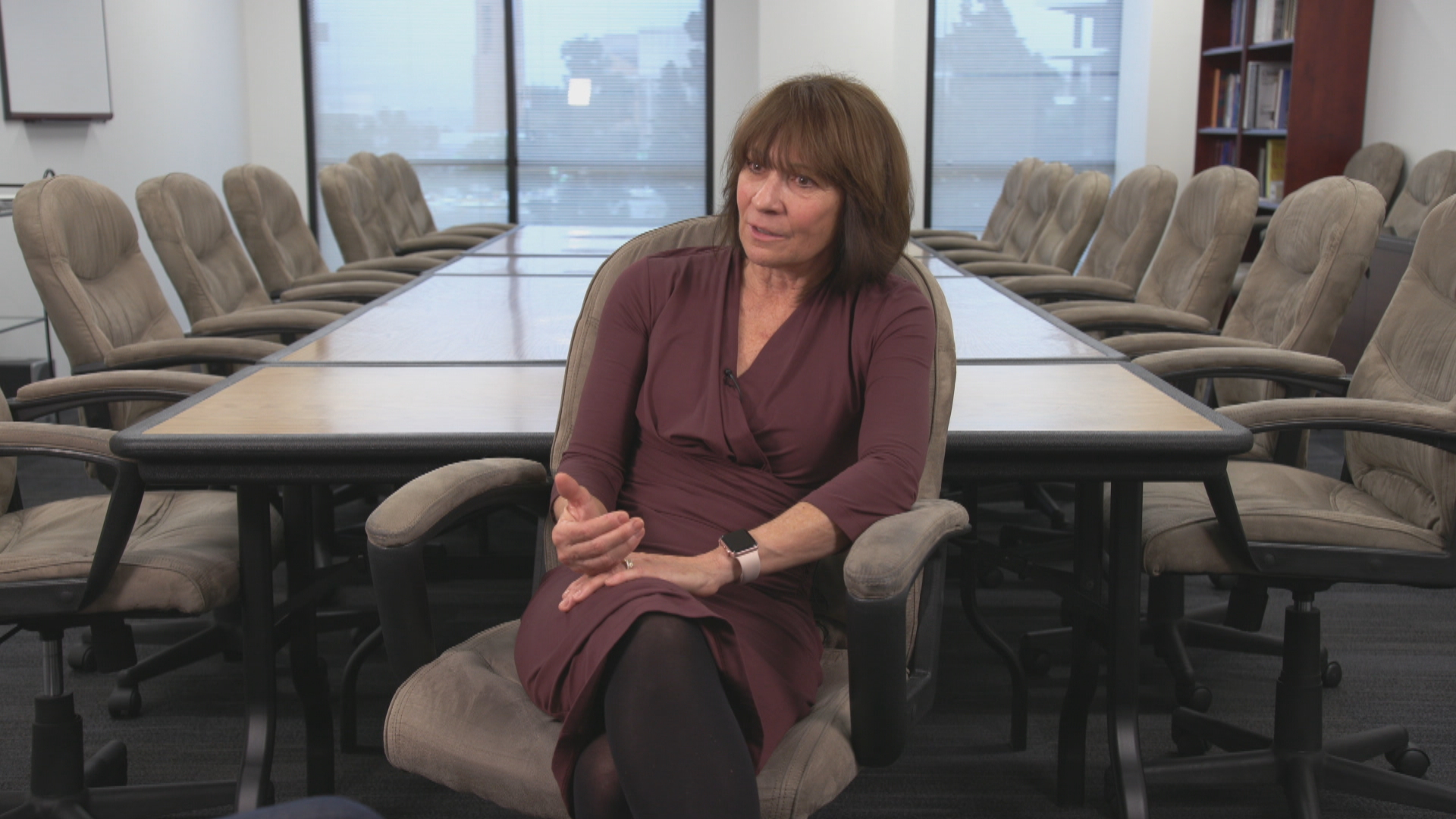 Psychologist Denise Jablonski-Kaye is one of 16 staff psychologists at the LAPD behavioral science service unit. (John Badcock/CBC)