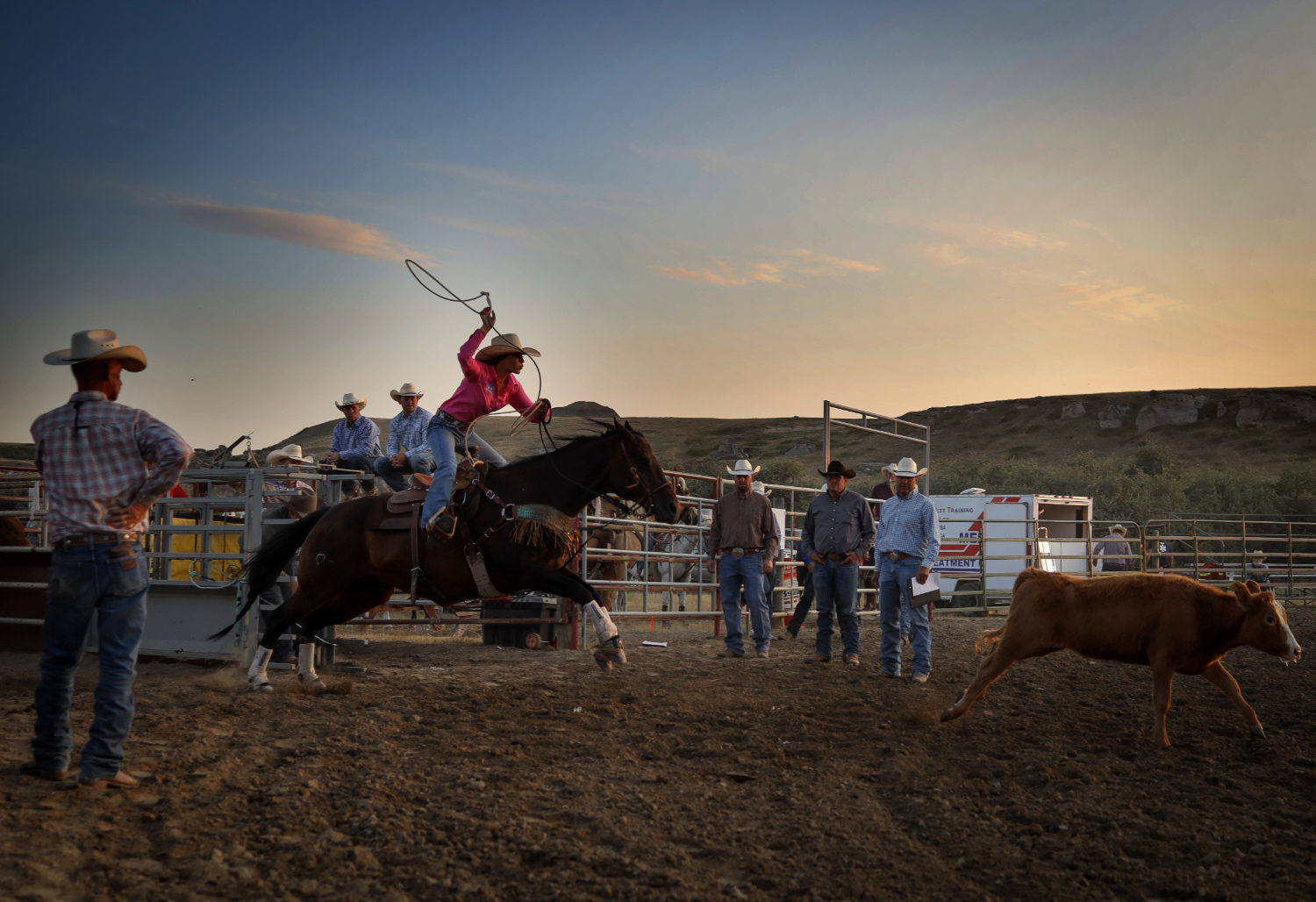 A competitor gets ready to fling her rope during the breakaway roping event.