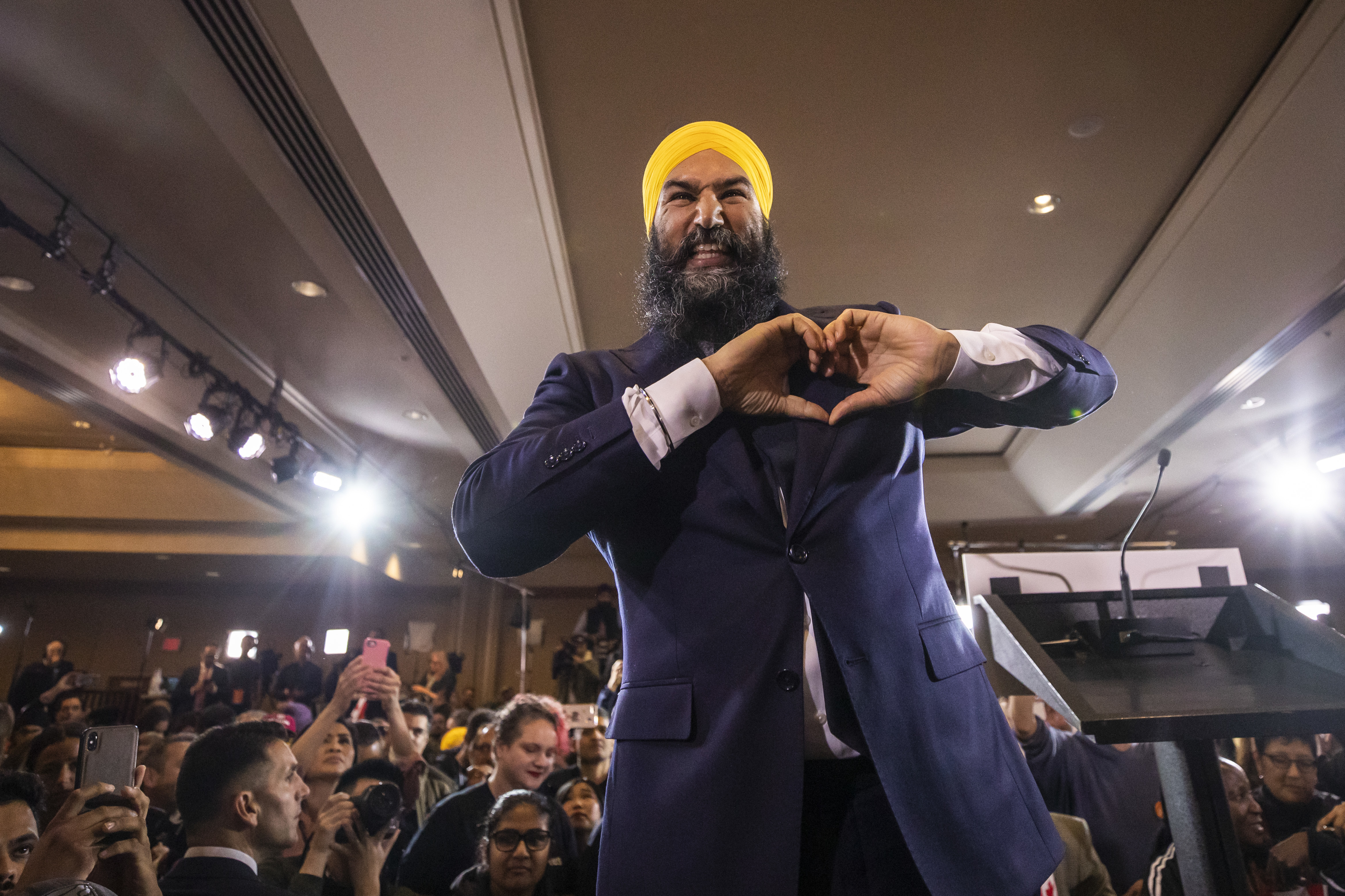 NDP leader Jagmeet Singh speaks to supporters at the NDP party headquarters in Burnaby, B.C. on election night, Oct. 21, 2019. (Ben Nelms/CBC)