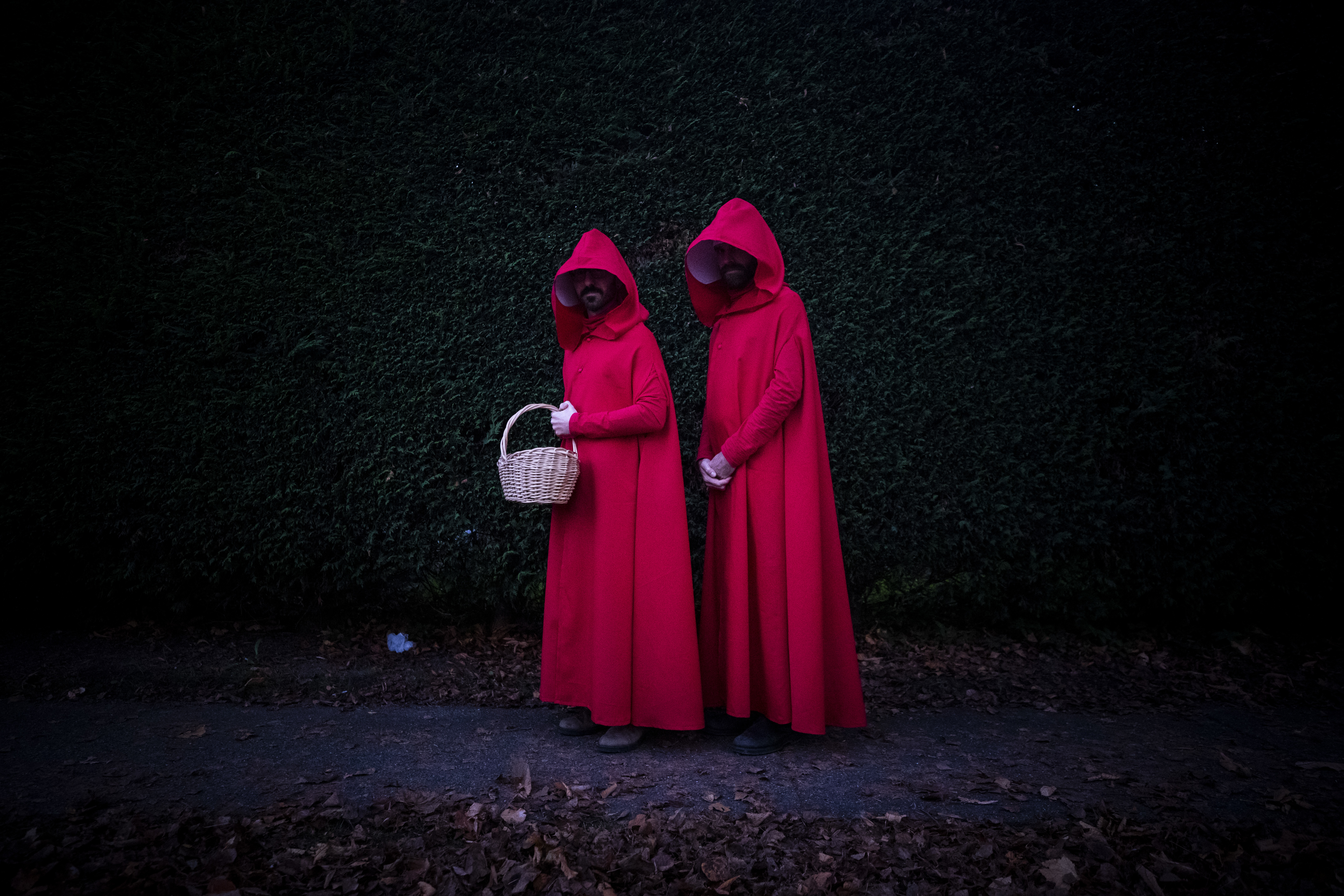 Trick-or-treaters go between houses in Vancouver on Oct. 31, 2019. (Ben Nelms/CBC)