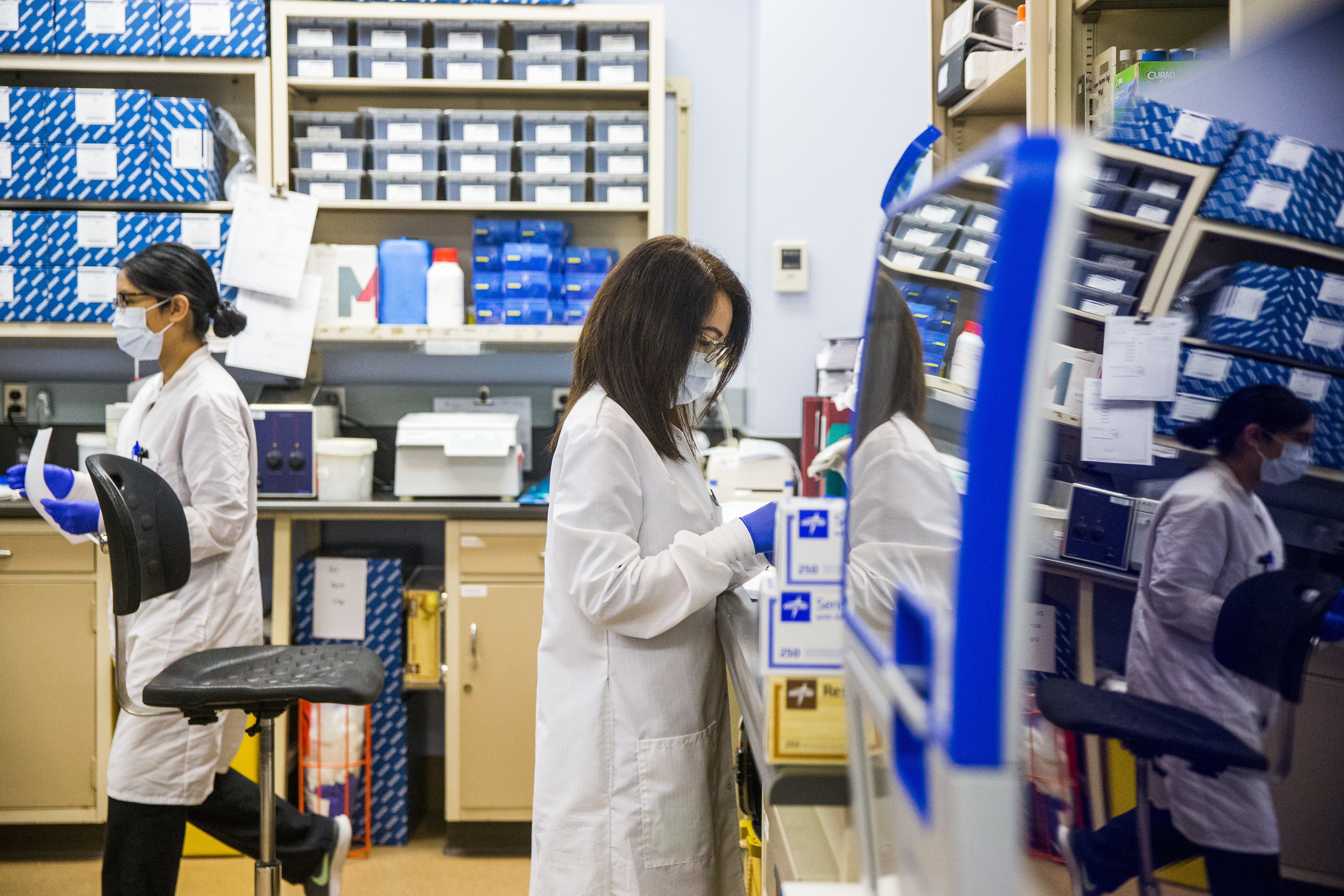 The workload has doubled for staff at the microbiology lab at the Health Sciences Centre during the COVID-19 pandemic. (Mikaela MacKenzie/Winnipeg Free Press/Canadian Press)