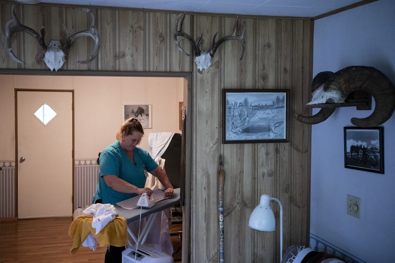 Care worker Jenny Kastra works in an Abbotsford home. (Ben Nelms/CBC)