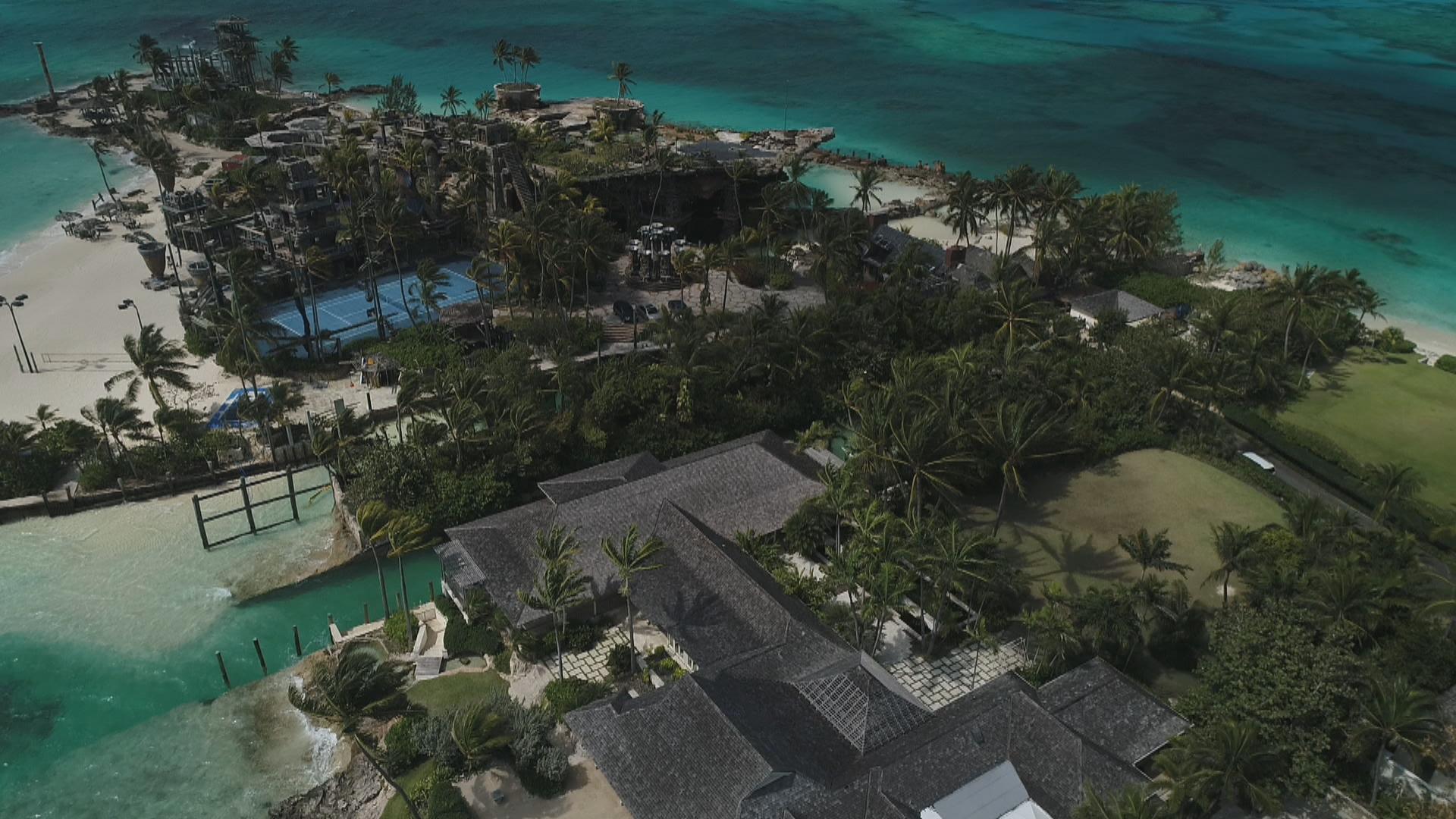Nygard and Bacon began feuding in 2009. Their homes in the Bahamas are side by side. (CBC)