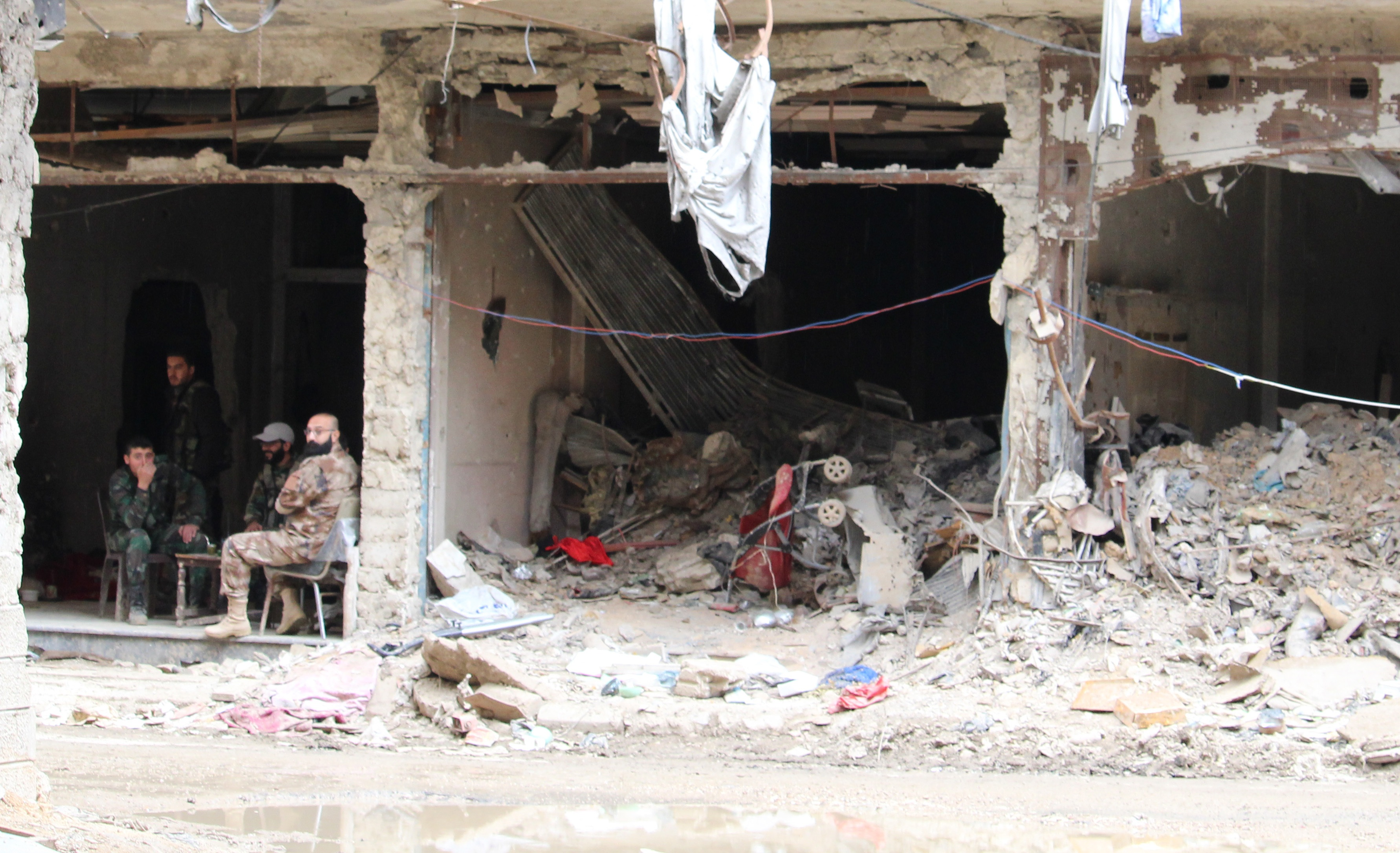 The destruction has arguably been even more acute in Yarmouk. (Stephanie Jenzer/CBC)