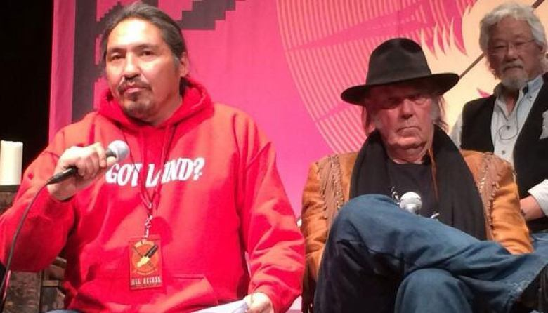 Athabasca Chipewyan First Nation Chief Allan Adam, right, with musician Neil Young and environmentalist David Suzuki. (Roxanna Woloshyn/CBC)