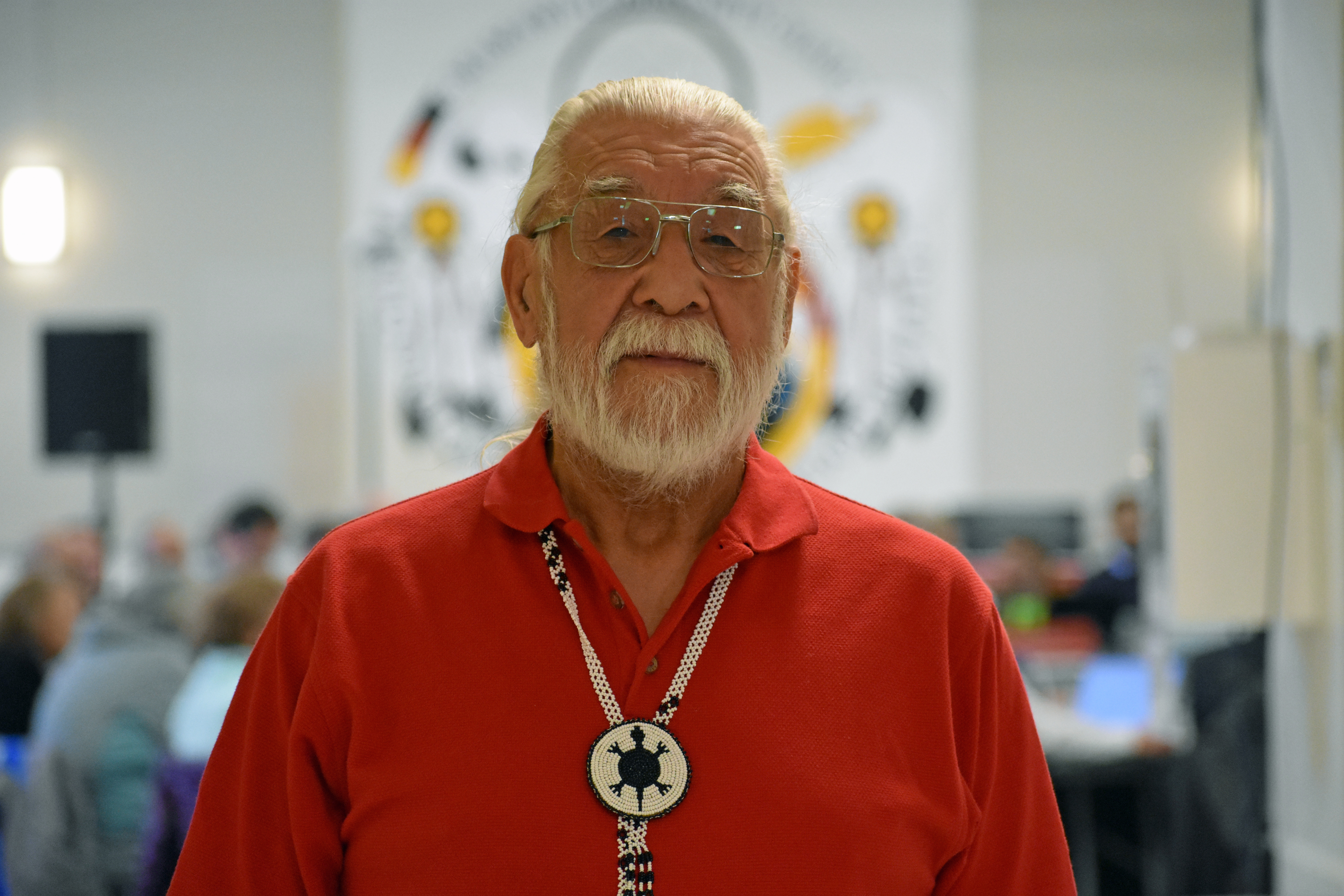 Archie Waquan, chief of the Mikisew Cree First Nation, at the Frontier project hearing in Fort Chipewyan. (Geneviève Normand/CBC Radio-Canada)