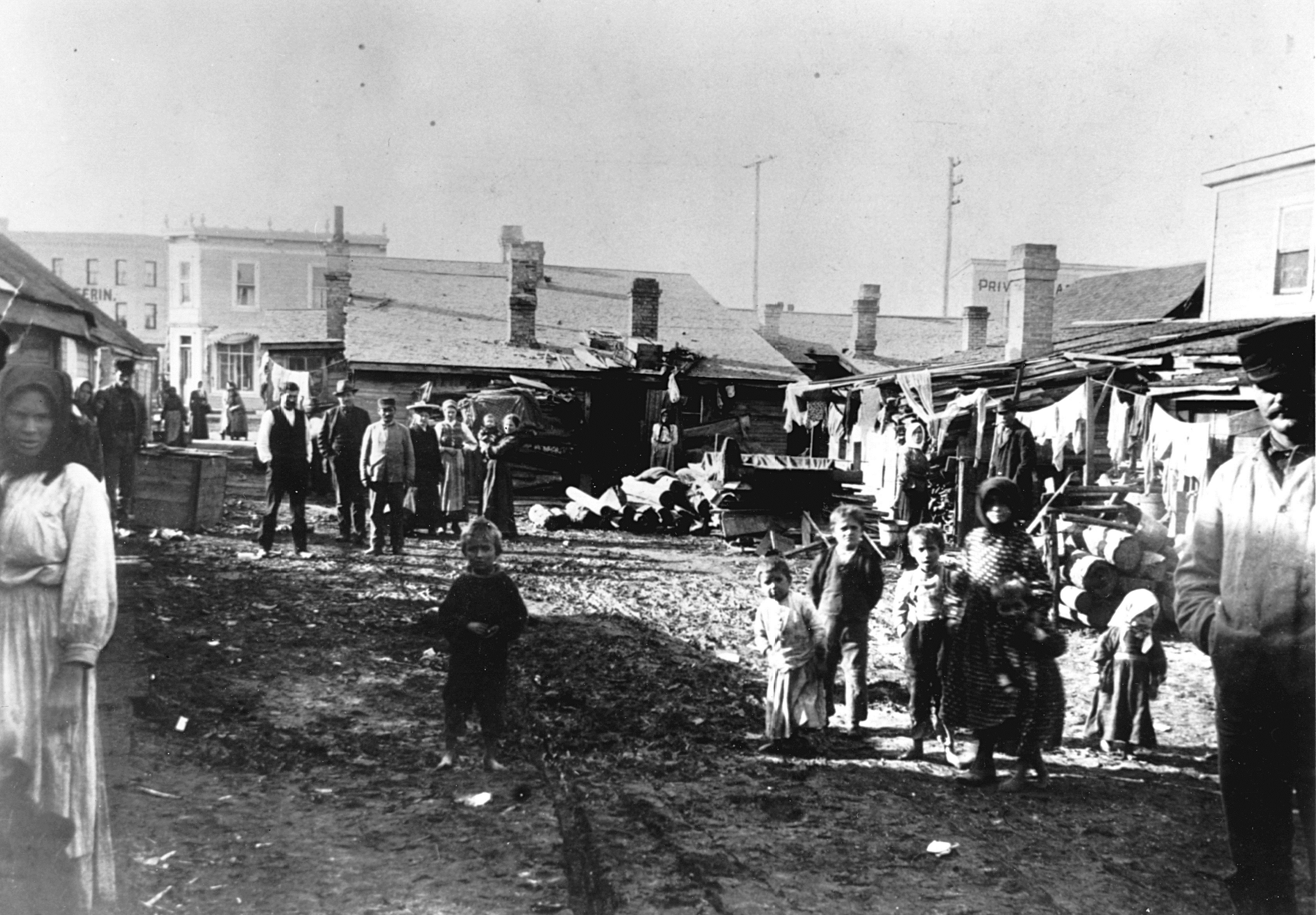 Poorly built shacks line the mud roads of 'New Jerusalem' at the corner of King Street and Dufferin Avenue in 1904. (Archives of Manitoba)
