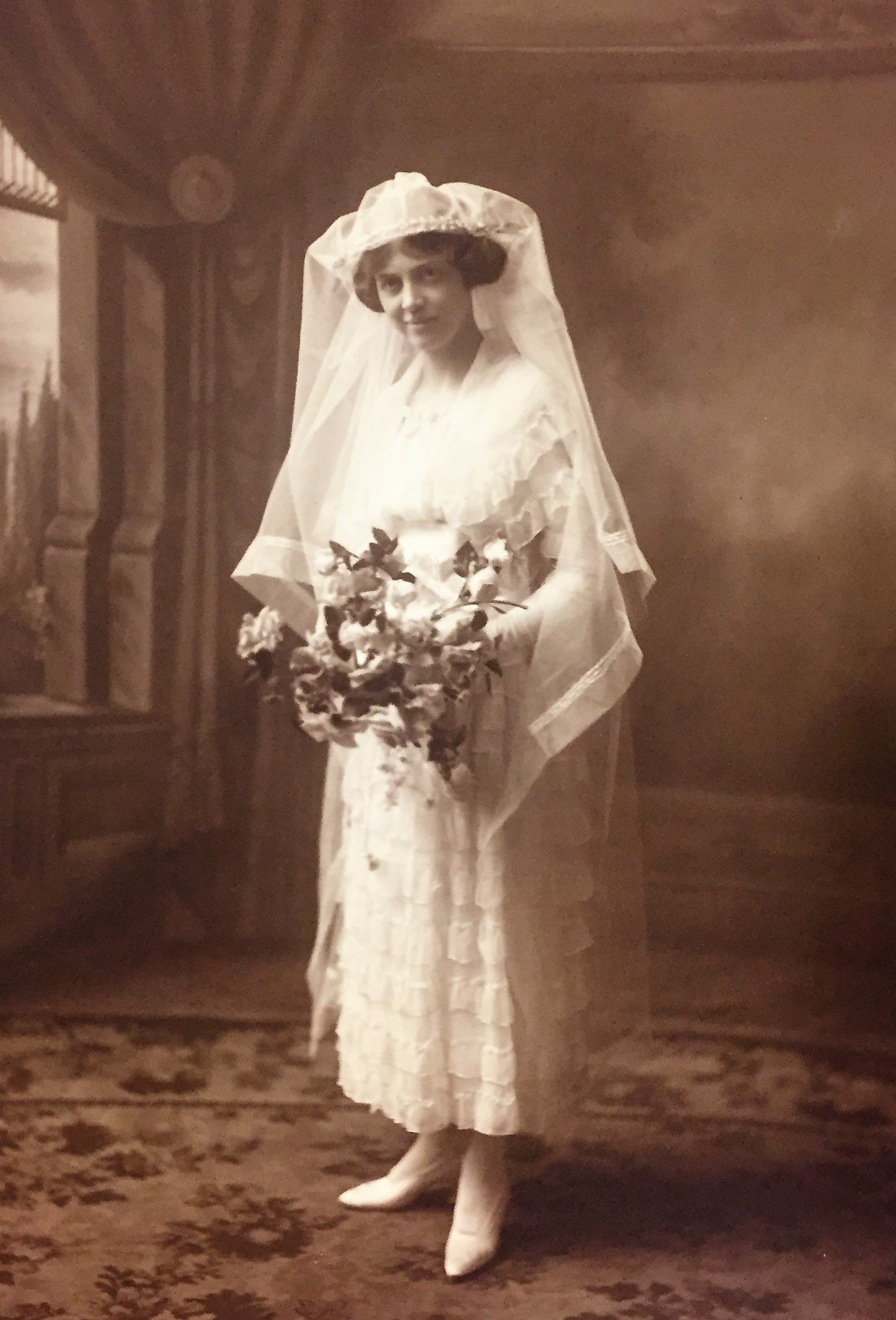 Helen Jones Roome, shown here on her wedding day in 1920. (Nova Scotia Archives)