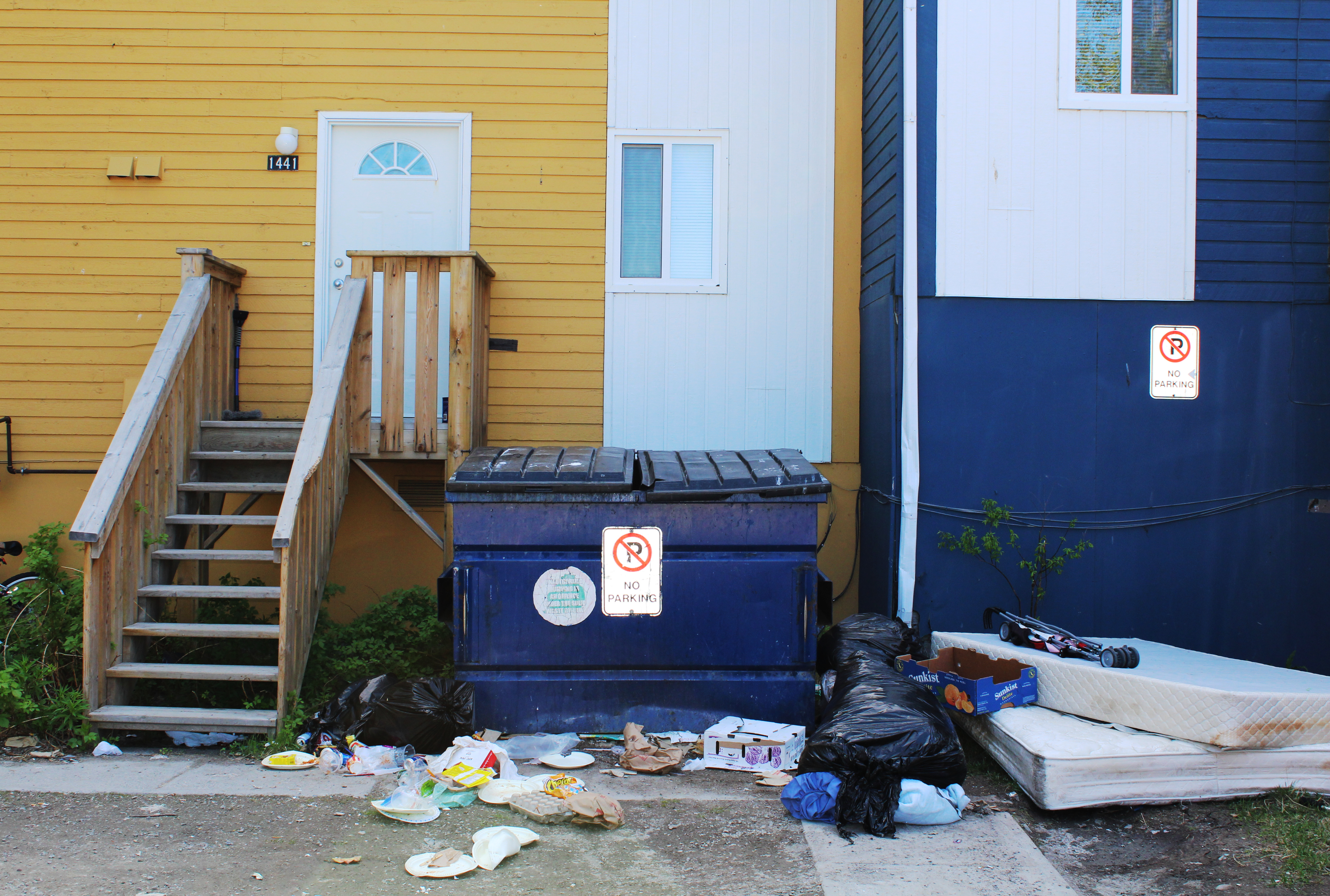 Trash at Northview's Lakeside Townhomes in Yellowknife. (John Last/CBC)