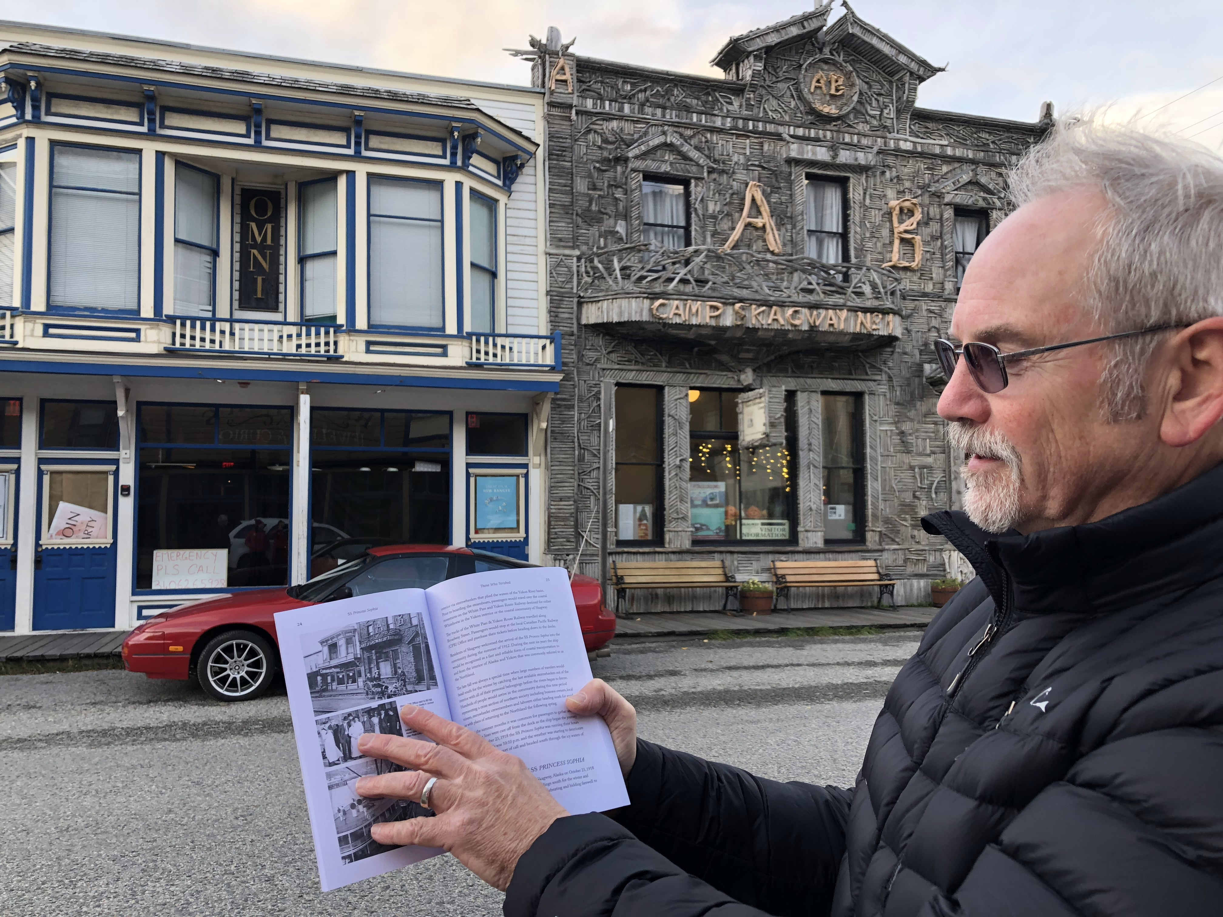 David Leverton of the Maritime Museum of British Columbia at the former Canadian Pacific office in Skagway, where passengers would have bought their tickets for the Sophia. (Claudiane Samson/Radio-Canada)