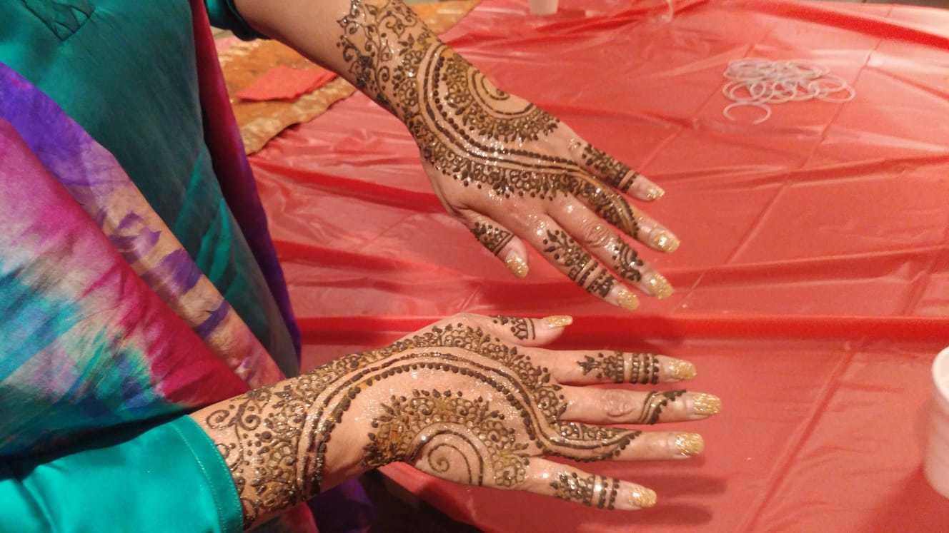 Meet the Henna Lady of Ottawa | CBC News