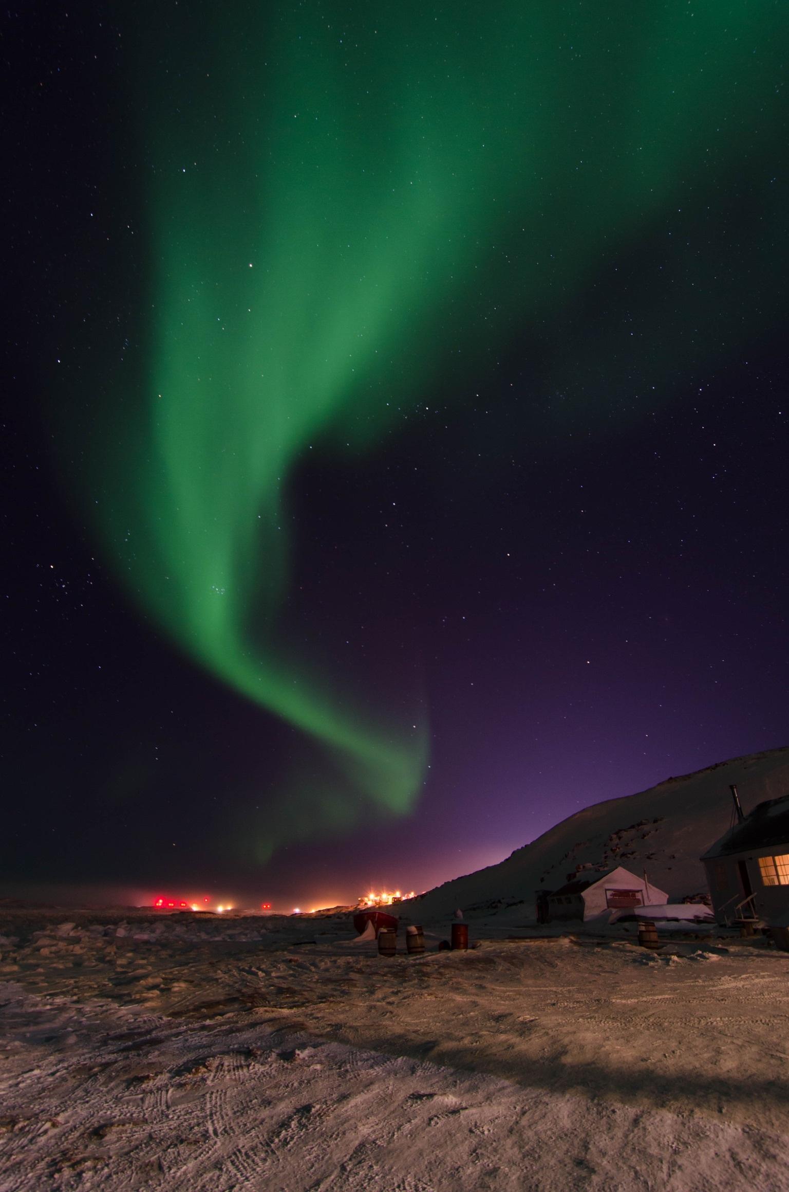 The aurora borealis over Iqaluit. (David Gunn/CBC)