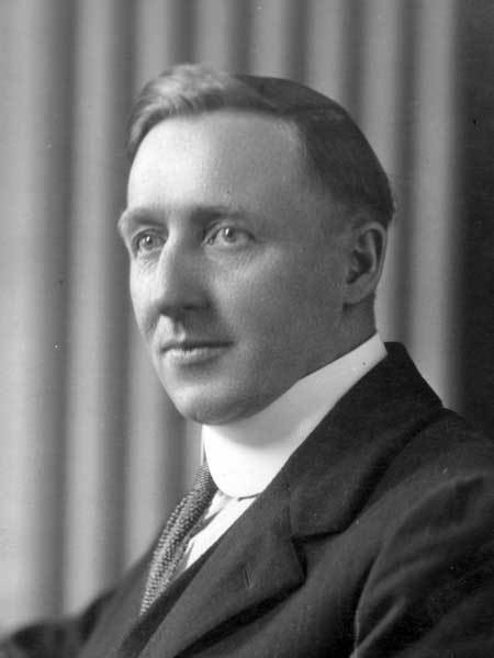 William Ivens in his official photo for the Manitoba Legislative Assembly in 1921. (Manitoba Historical Society)