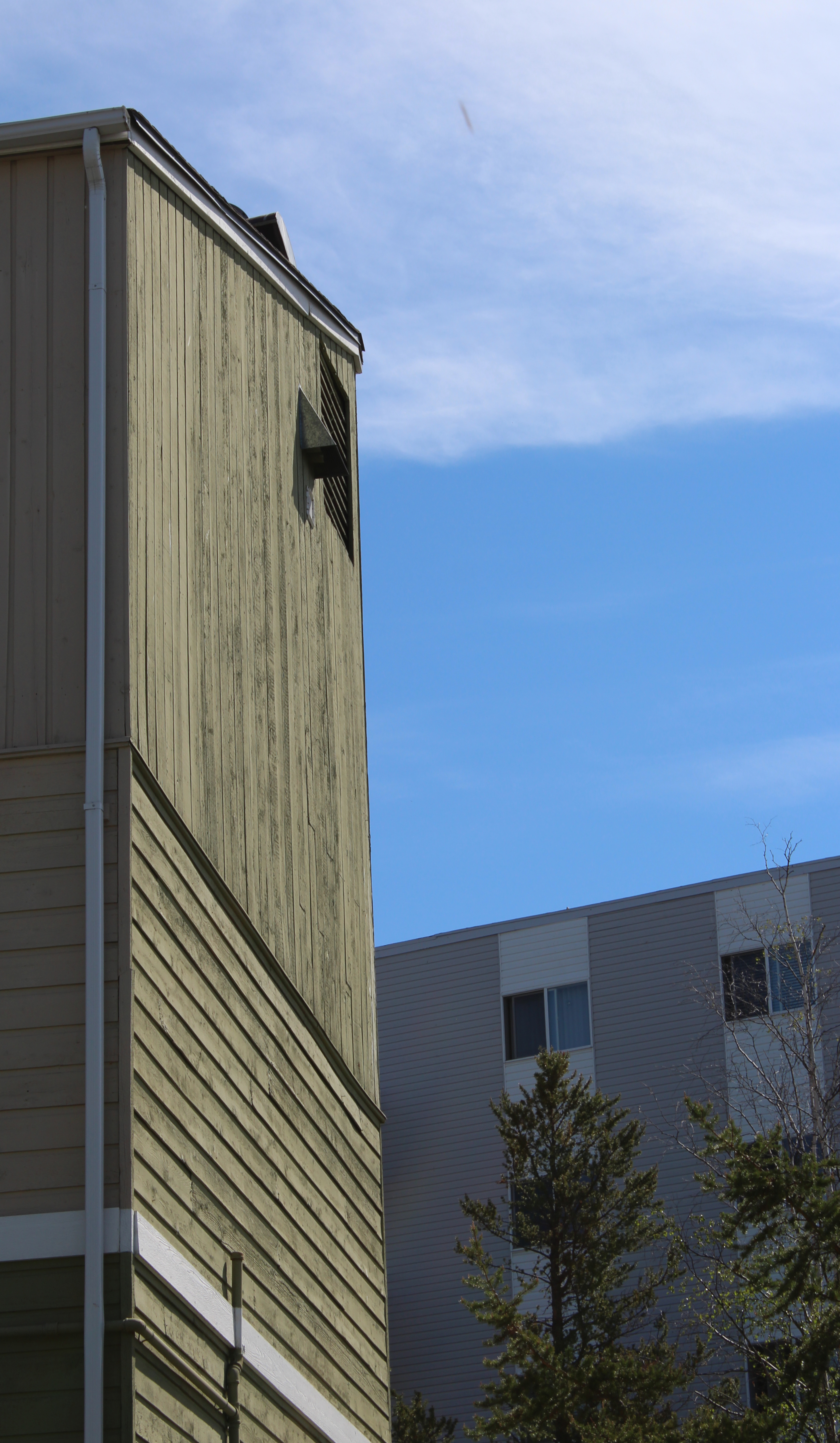 Northview's Ridgeview South and Fort Gary buildings in Yellowknife. (John Last/CBC)
