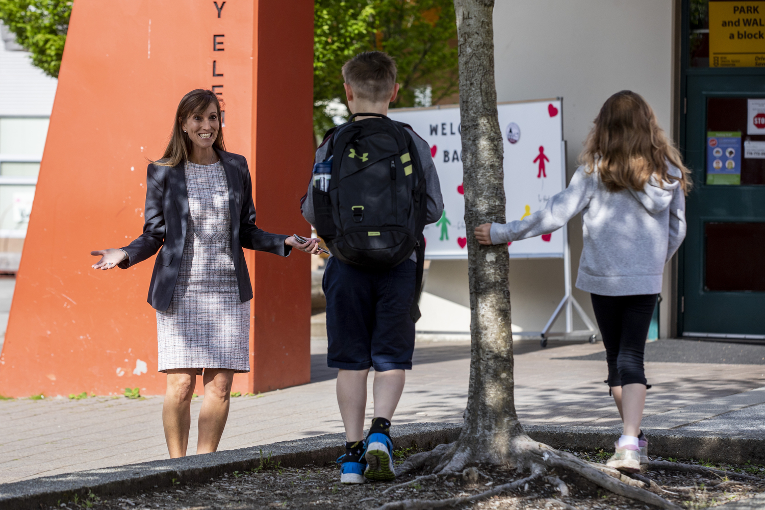 Students are welcomed back to school with physical distancing protocols in place at Lynn Valley Elementary in North Vancouver, B.C., on June 1, 2020, as schools reopened following a shutdown that began during spring break. (Ben Nelms/CBC Vancouver)