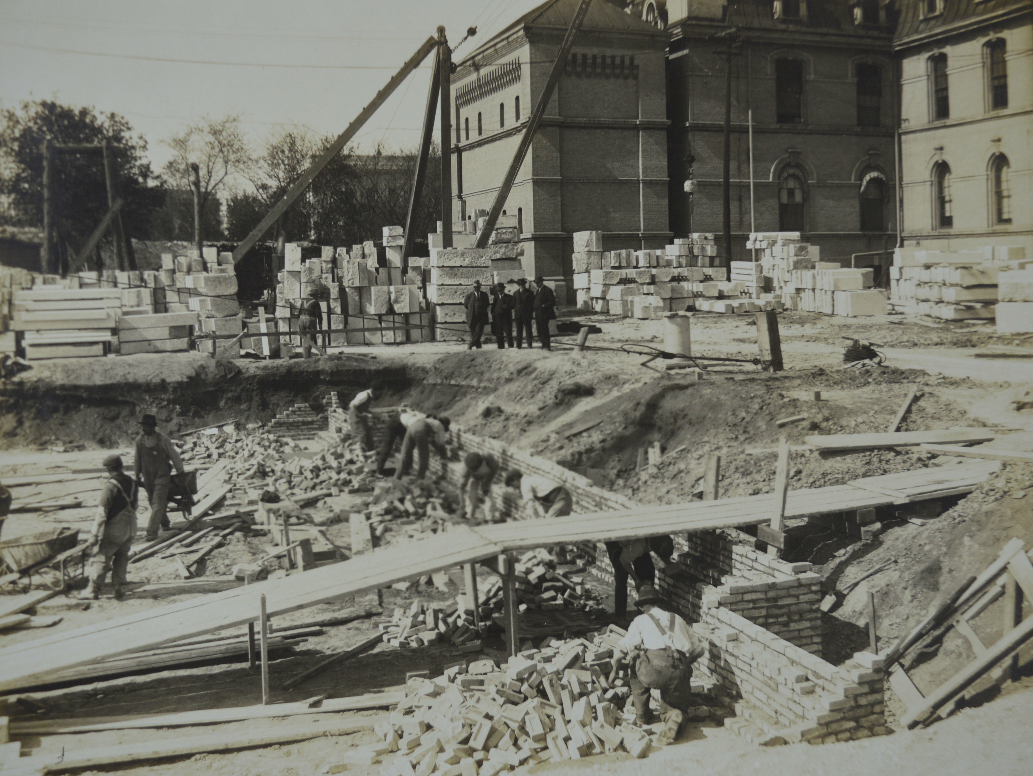 Crews work on building the foundation of the Legislative Building in May 1914. (Manitoba Archives)