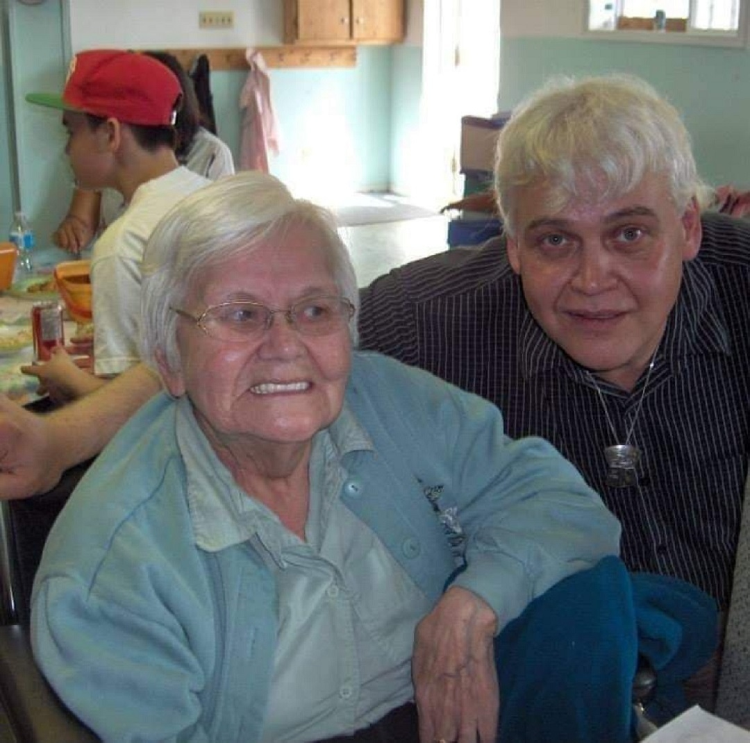 Lois Yeomans poses for a picture with her nephew Arnie Nagy, who fondly remembers his aunt's wonderful smile and sense of humour. Lois lost her life to COVID-19 on Jan. 30, 2021. (Submitted by Arnie Nagy)