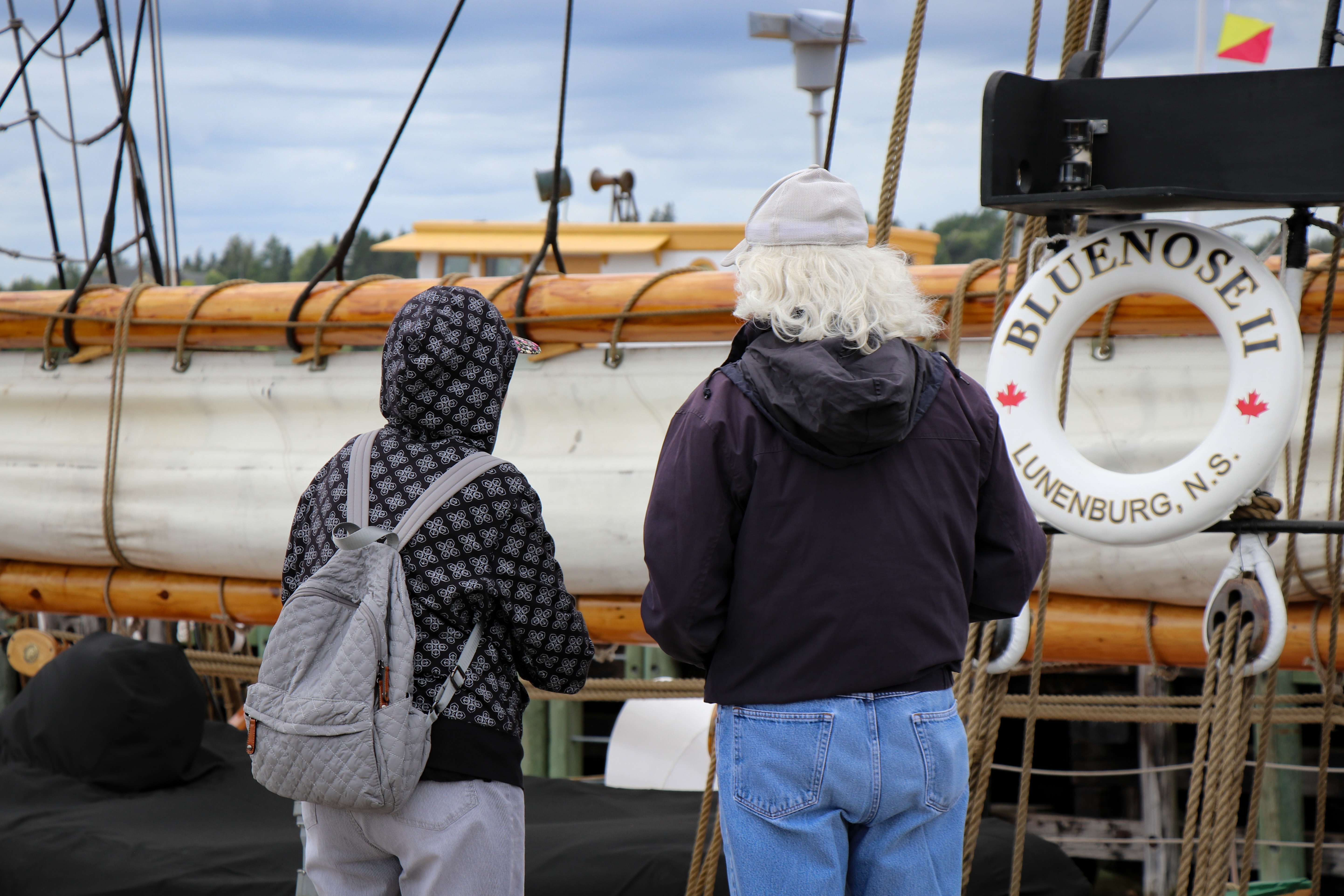 Tourists continue to flock to Lunenburg. (Emma Davie/CBC)