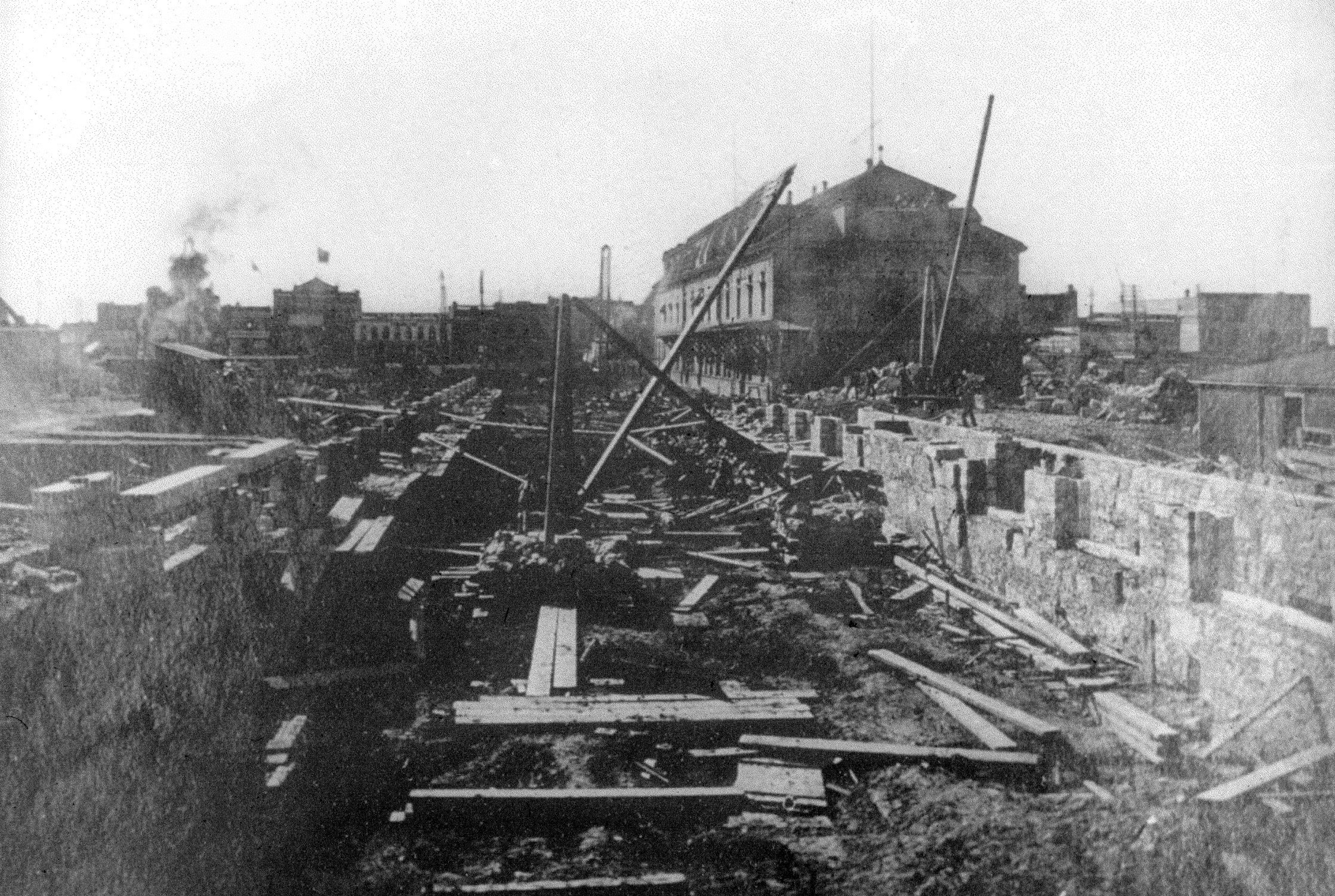 Construction of the Canadian Pacific Railway Station in Winnipeg was finished in 1881. (Western Canada Pictorial Index)