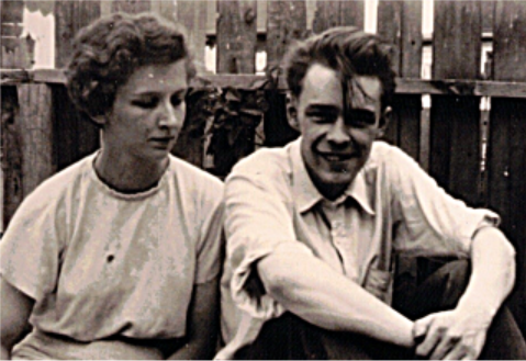 Ted Byfield and his wife, Virginia, in 1952. Byfield started his career as a copy boy for the Washington Post, eventually joining the Winnipeg Free Press on the city hall beat. (Ted Byfield)