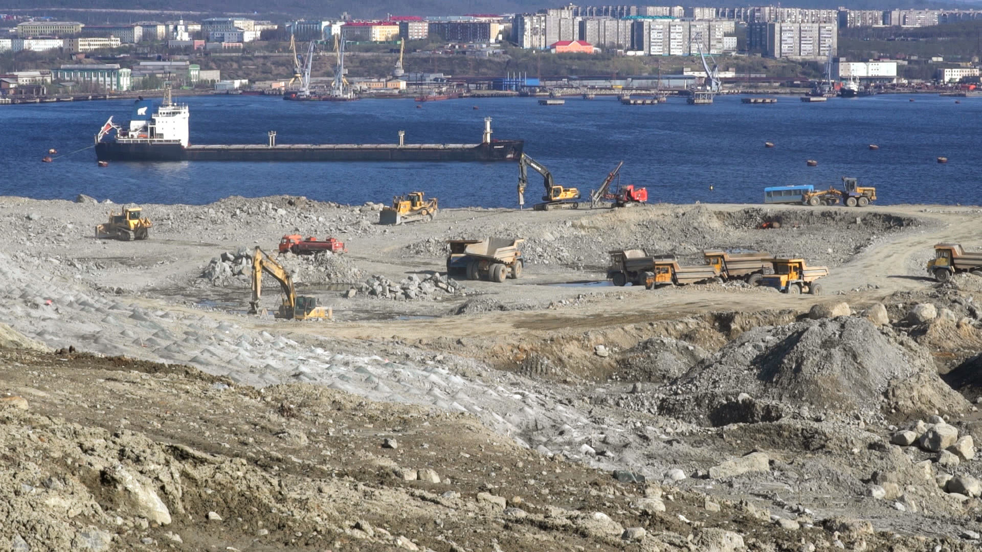 Murmansk's long-awaited port-improvement project takes shape just outside the city.