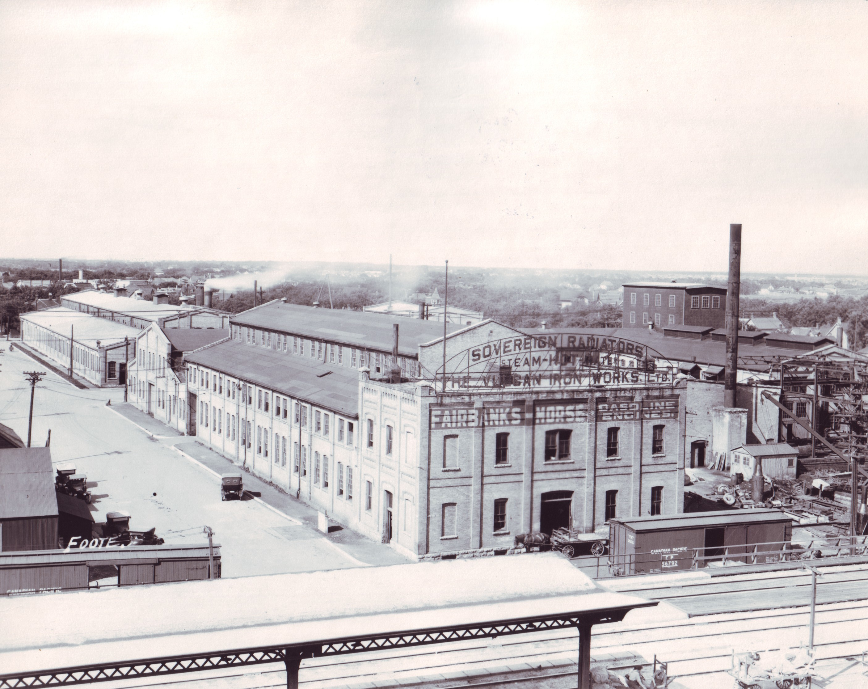 Vulcan Iron Works on Maple Street N., directly north of the Canadian Pacific Railway, in July 1920. (Foote collection/Archives of Manitoba)