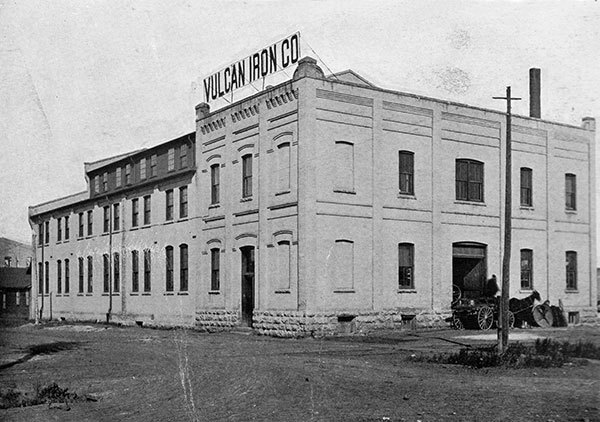 Vulcan Iron Works, photographed around 1903, was a heavyweight in the industry. (William A. Martel & Sons/An Illustrated Souvenir of Winnipeg/Manitoba Historical Society)