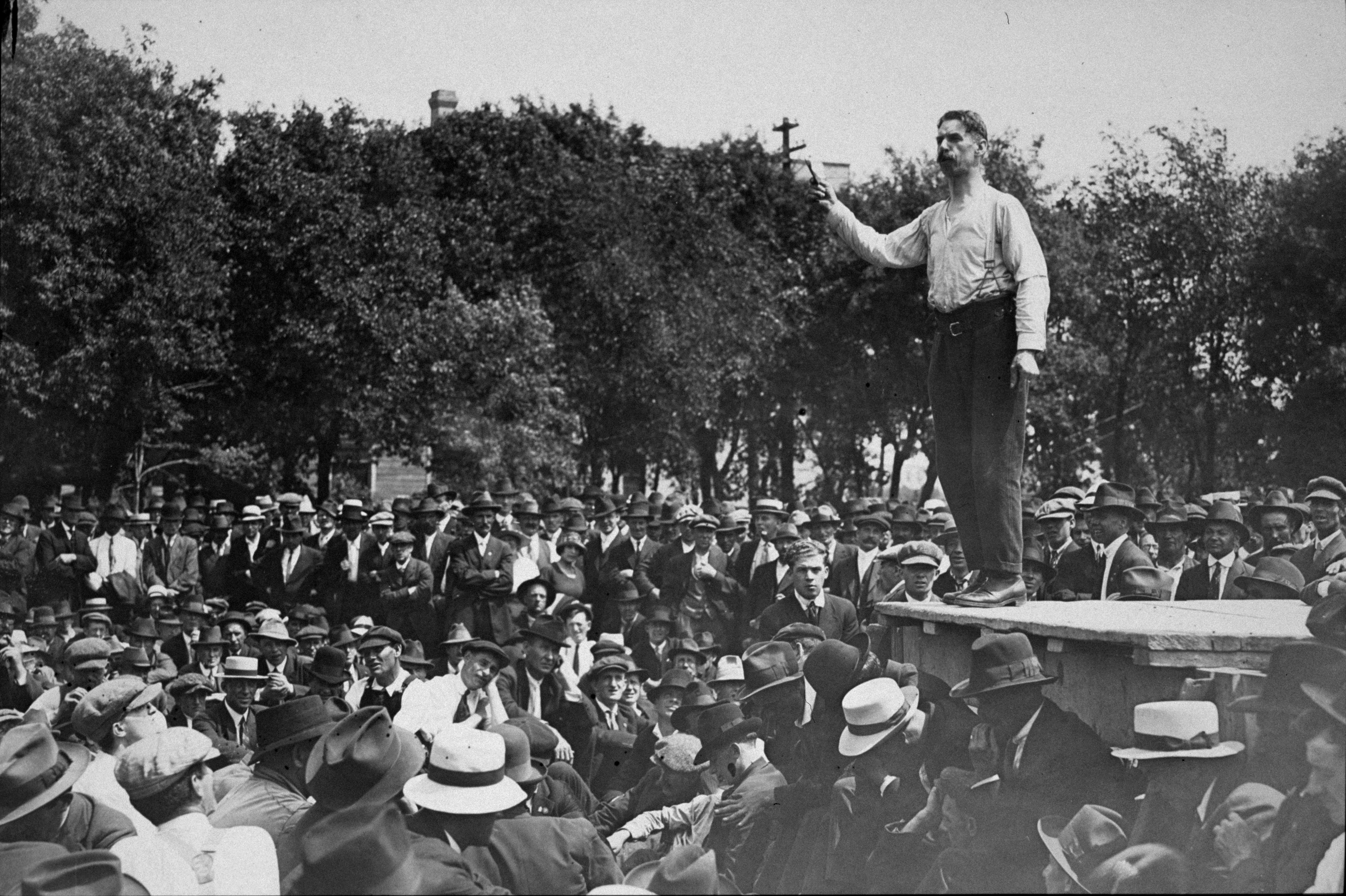 Socialist Roger Bray addresses a crowd of strikers in Victoria Park on June 13, 1919. (Foote collection/Archives of Manitoba)
