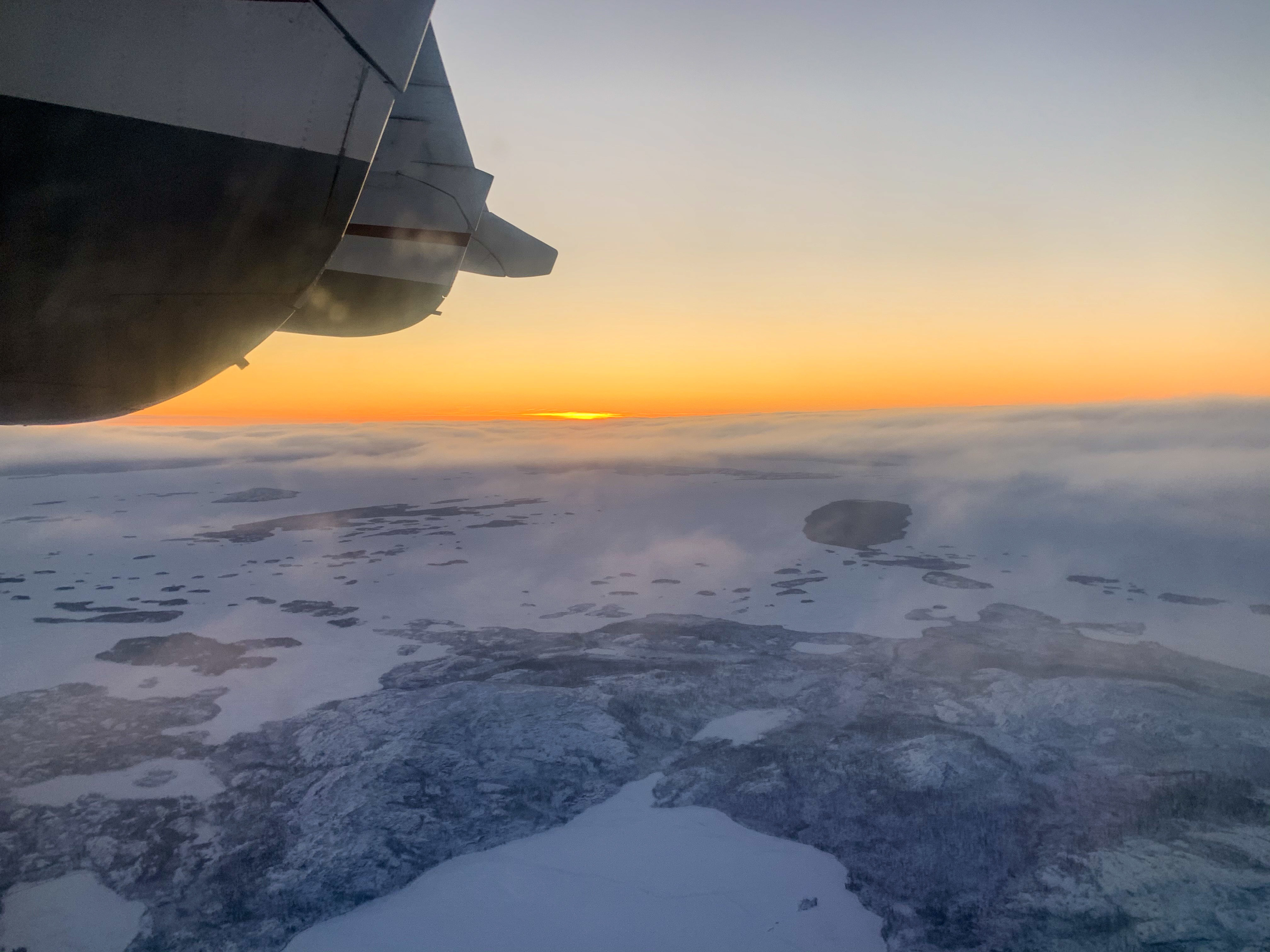 In the air over the Northwest Territories between Yellowknife and Gameti. (Sidney Cohen/CBC)