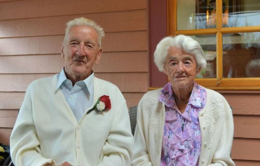 Bob and Joan Proctor celebrated their 70th wedding anniversary in August 2015. Bob died on Good Friday in April 2020 and Joan died 37 hours later on Easter Sunday. (Submitted by Proctor family)