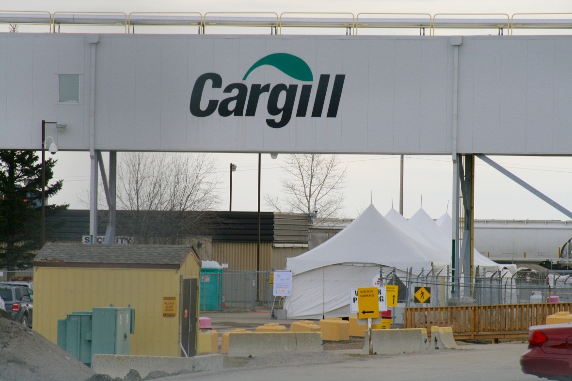 In March, tents were set up outside the Cargill plant so workers could be tested for COVID-19. (Dan McGarvey/CBC)