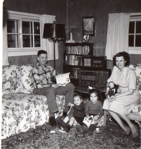 From left, Don McLauchlan, his daugthers Louise and Margaret, and wife Katy-Lou in their Aklavik home. (Submitted by Margaret McLauchlan)