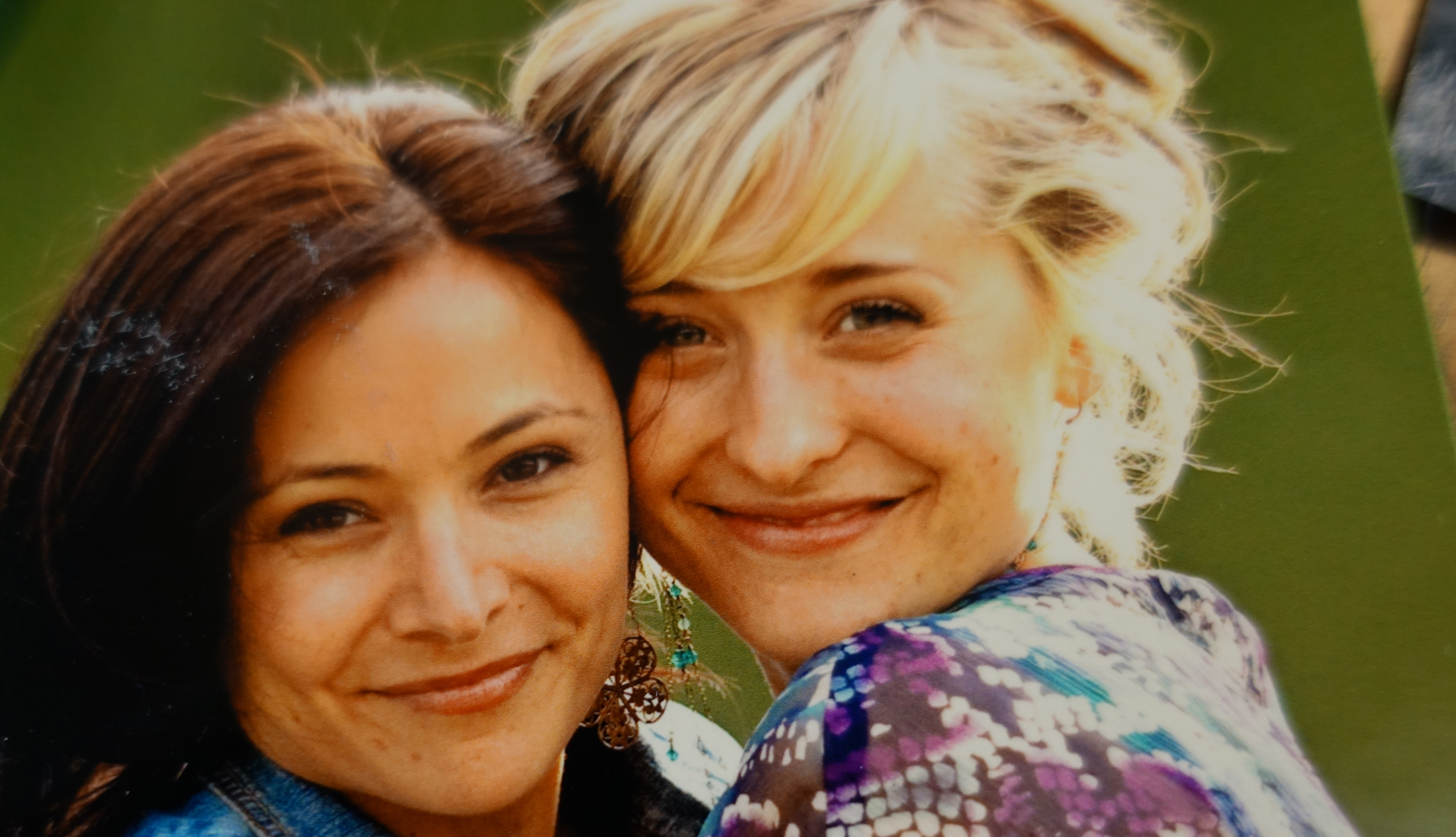 One of Edmondson's photos showing her with Smallville actor Allison Mack. Mack has pleaded not guilty to charges of sex trafficking and conspiracy to commit forced labour for her alleged role in what authorities say was a sex cult within NXIVM.