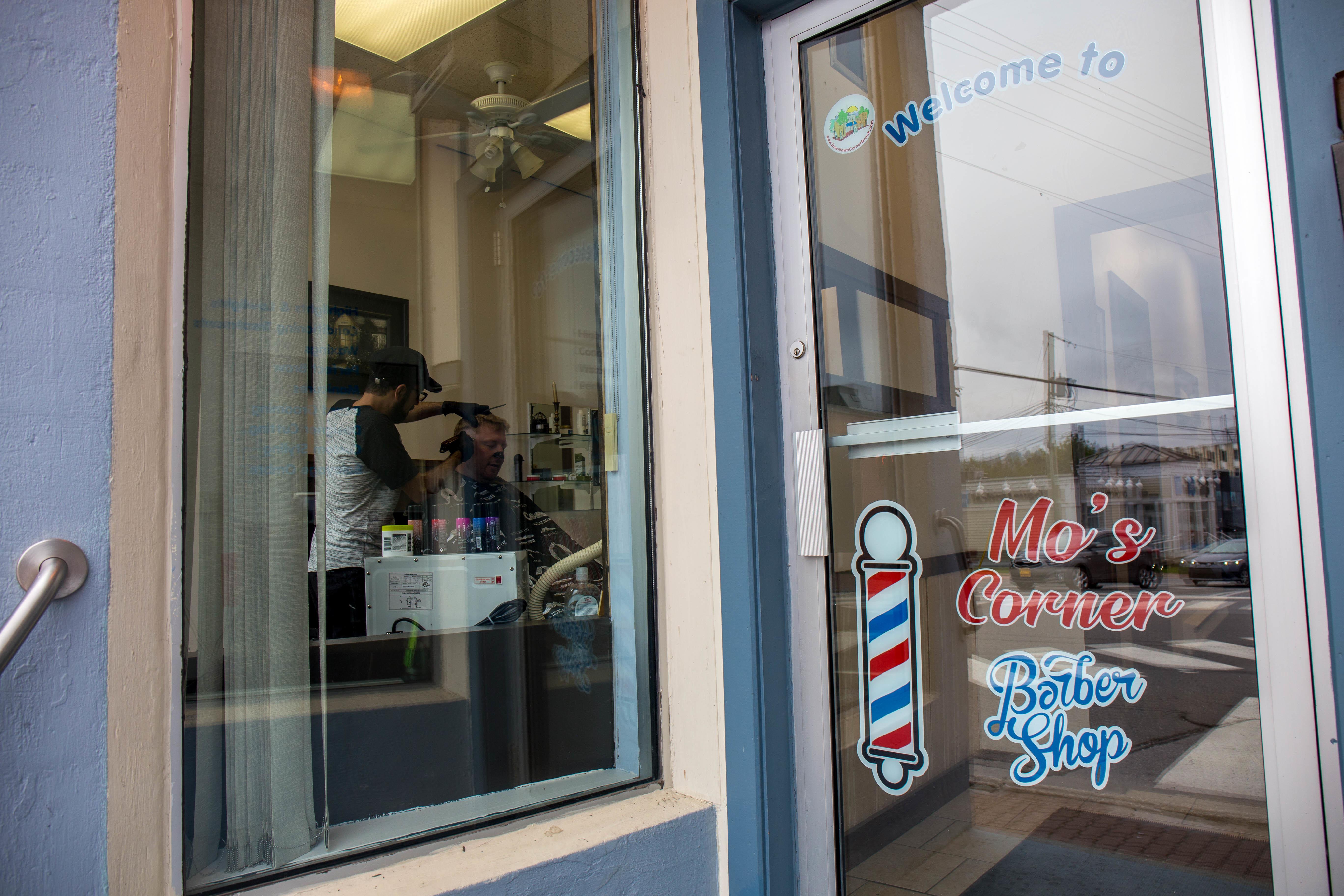 Mo's Corner Barber Shop has already found a customer base in Corner Brook. (Lindsay Bird/CBC)