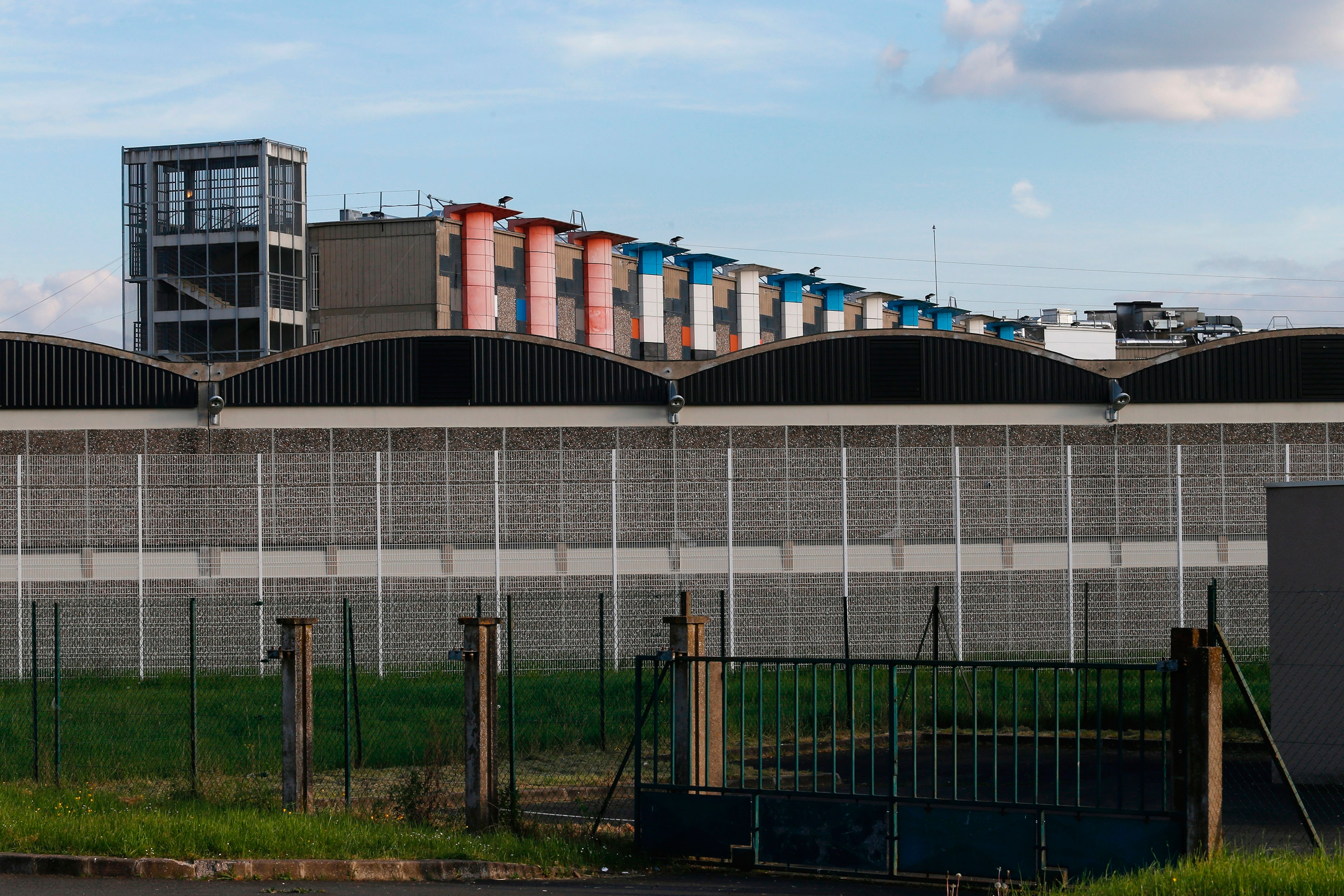 A view of the outside of Fleury-Mérogis prison in the southern suburbs of Paris. (Geoffroy van der Hasselt/AFP/Getty Images)