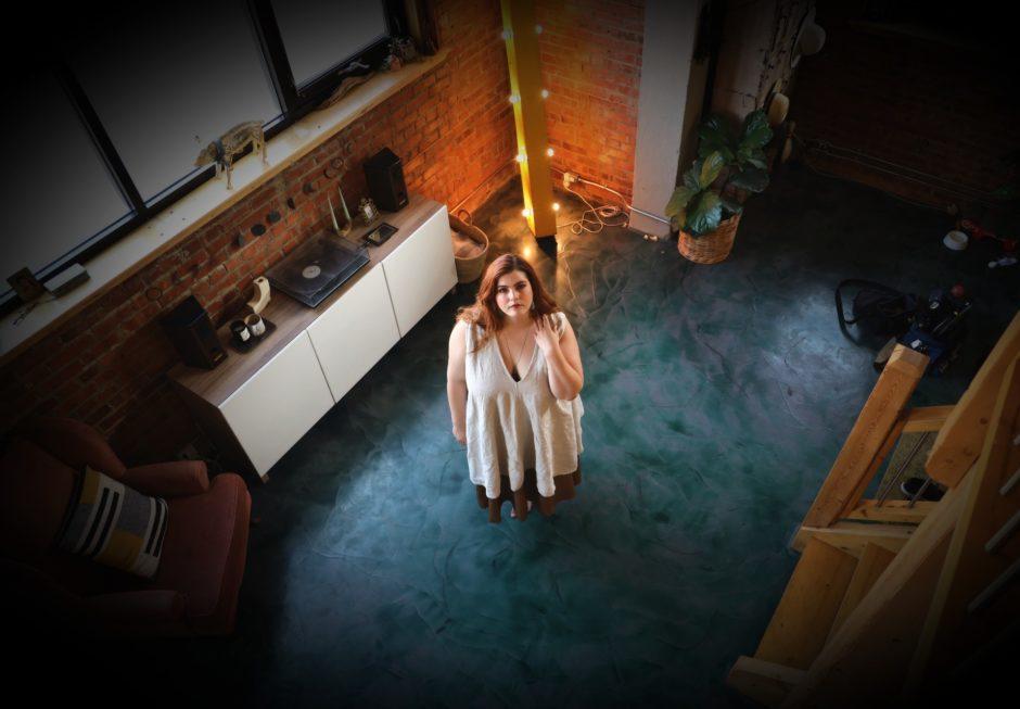 Marielle Terhart stands on a green floor