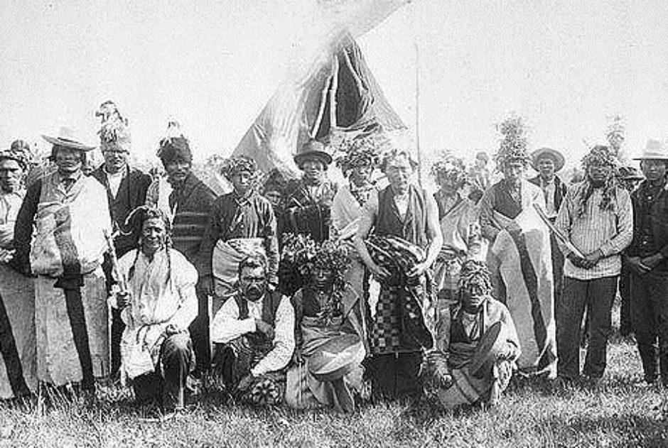 Archival photo of Cree people in Edmonton area.