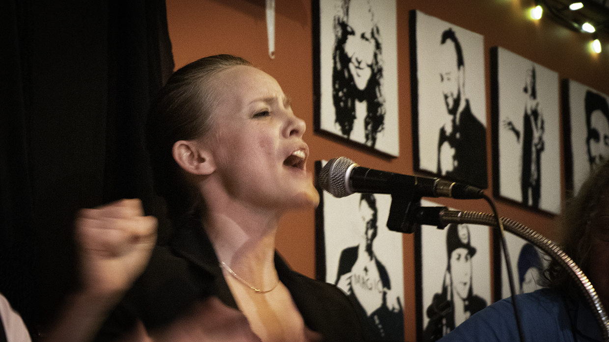 Flamenco singer and dancer Maria Avila pierces the room with her songs. (Maryse Zeidler/CBC)
