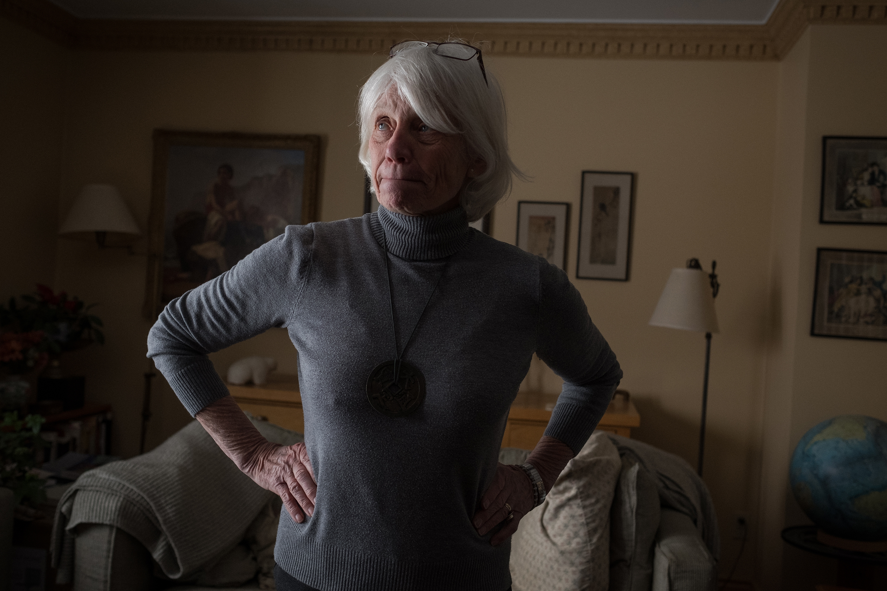 Mary Farrar in her Kingston, Ont., home. (Evan Mitsui/CBC)