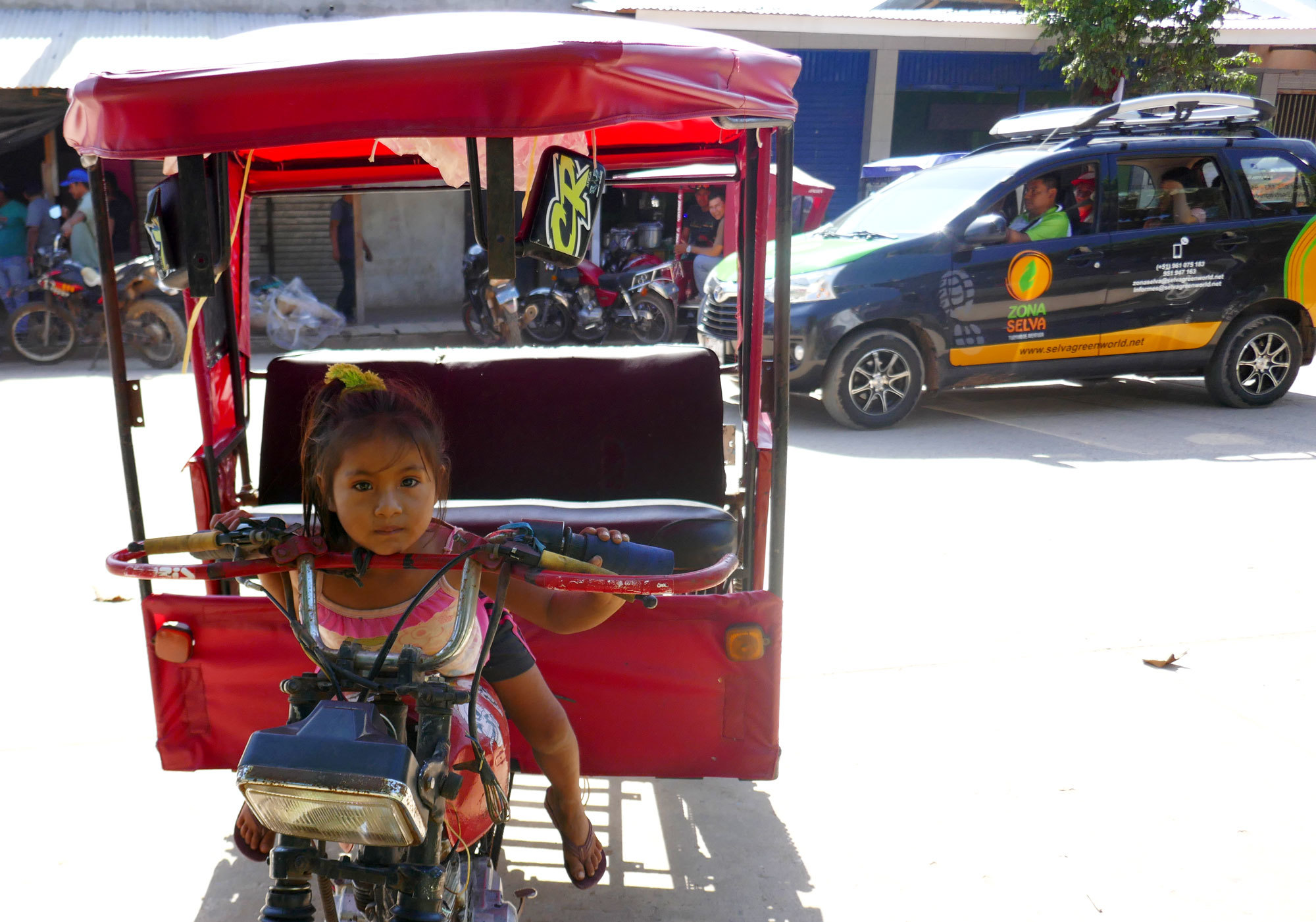 Pucallpa is a bustling city of about 200,000 people. (Mark Kelley/CBC)